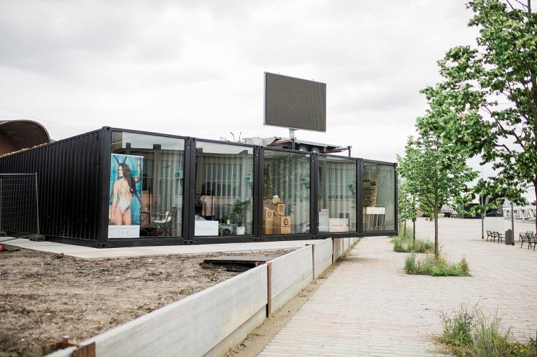 Glas Van Lent - Vitrine Antwerpen glazen schuifdeur